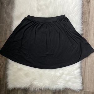 Old Navy Black Knit Skater Skirt - Medium
